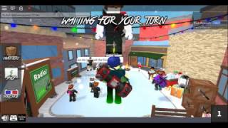 HELPING SANTA WITH GIFTS-ROBLOX
