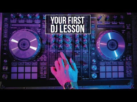 First 10 minutes on DJ Decks | Beginner DJ lessons .com