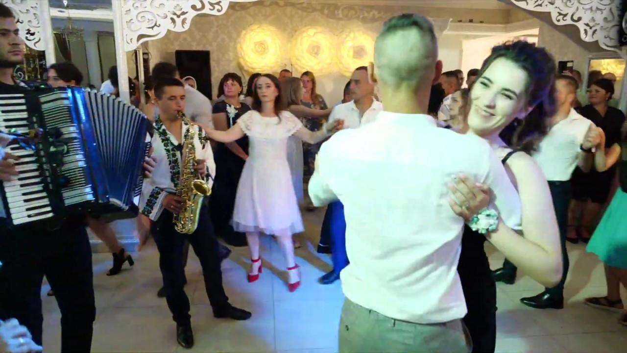 Danseaza cu Formatia Elit! Veselie mare cu muzica de petrecere. Muzica populara cu formatia Elit!