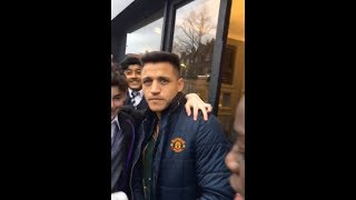 ALEXIS SANCHEZ CONFIRMS TRANSFER TO MANCHESTER UNITED IN LONDON