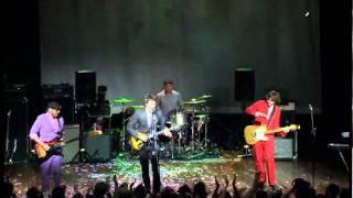 Ok Go - Here It Goes Again (Live @ Milwaukee