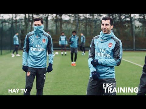 Как Мхитаряна встретили игроки Арсенала