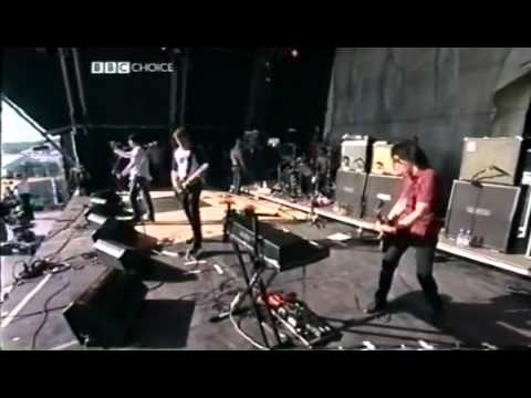 Queens of the Stone Age w Dave Grohl A Song for the Dead  @ Glastonbury 2002