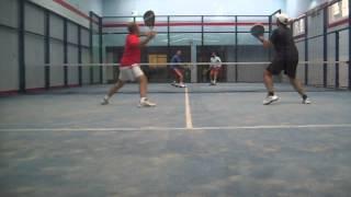 Algunas Jugadas Partido de Pádel: Carlos/Marcos - Josemi/Diego