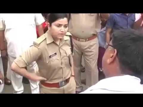 Female UP Police Officer Stands Her Ground | SheThePeople.TV