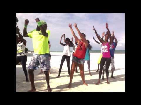 Sampuwa - Shayman - Zumba in Babobab resort Kenya :-)