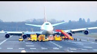 Virgin Atlantic Boeing 747 VS43 Gatwick Emergency Landing with Radio Undercarriage Failure thumbnail
