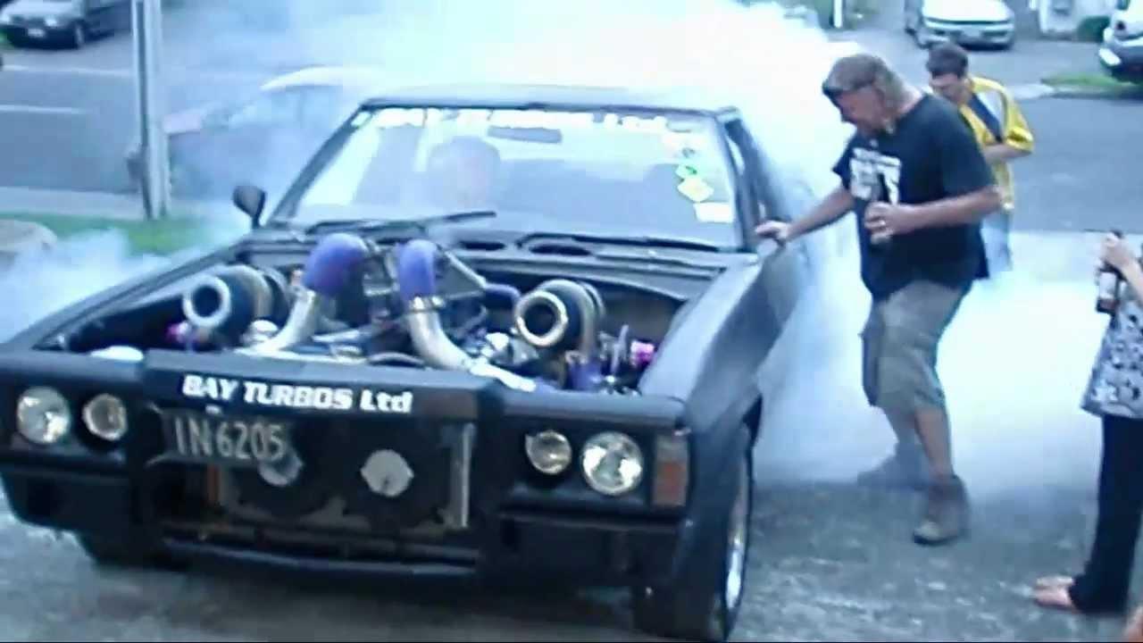 Courtney Rd Tauranga 2011 Twin Turbo V8 1977 Holden Kingswood Ute Burnout Youtube