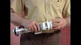 Установка смывного бачка для унитаза(Профессиональный мастер покажет как правильно установить и собрать смывной бачок для унитаза., 2013-10-17T04:07:00.000Z)