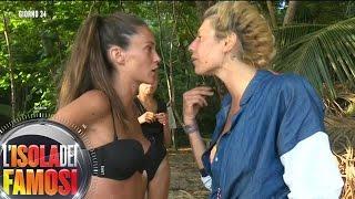 L' Isola dei Famosi - Paola e Gracia litigano in maniera accesa