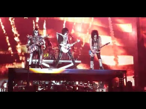 KISS Farewell Tour could include past members Frehley/Vincent/Kulick or Criss ..?? Mp3