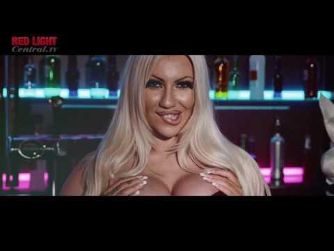 Jessie Jensen - Buxom Barmaid thumbnail