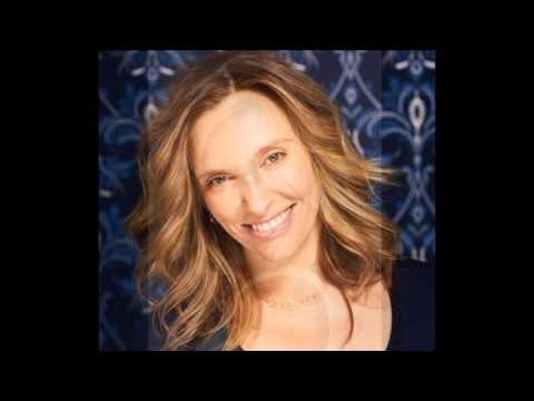 Toni Collette - Don't Dream It's Over