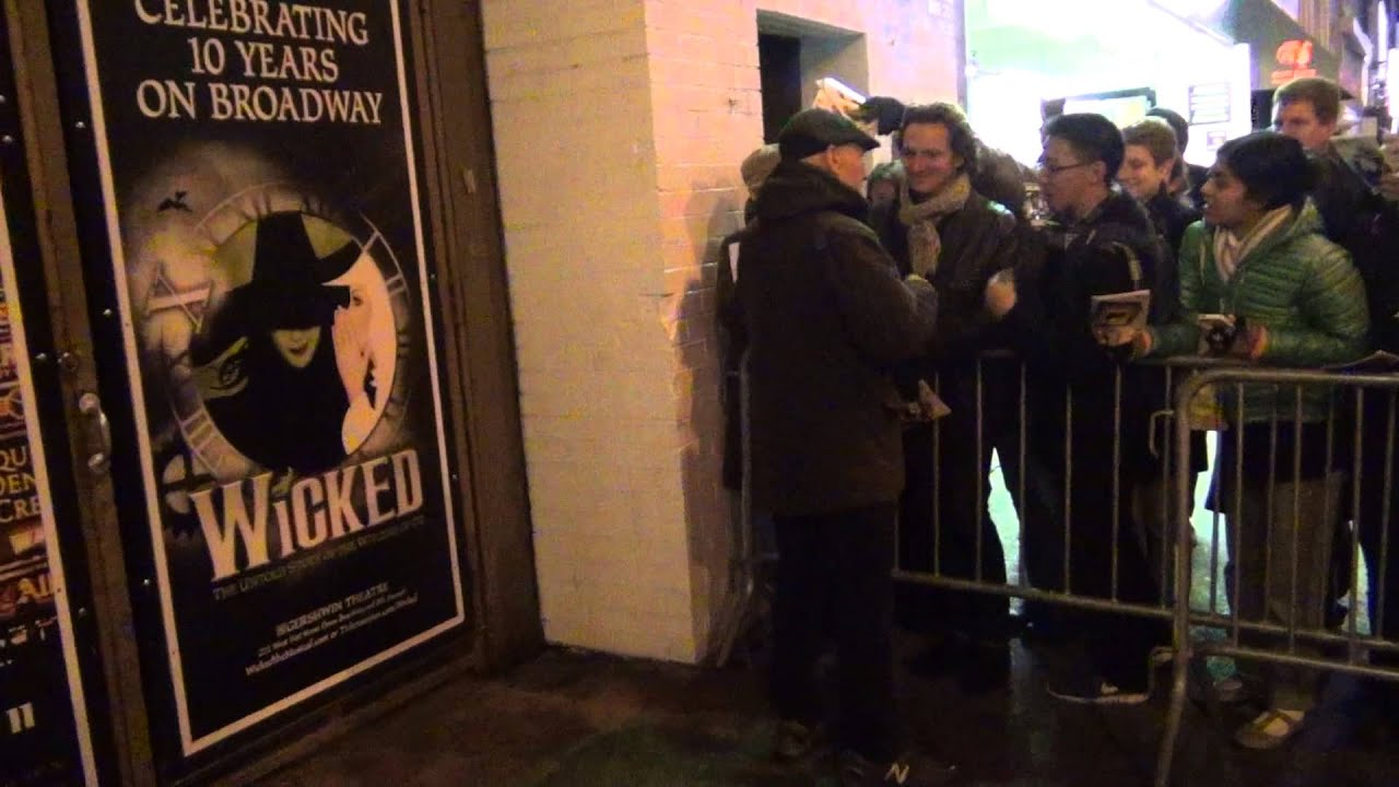 Sir Patrick Stewart Greets Fans Stage Door No Manu0027s Land Broadway! - YouTube & Sir Patrick Stewart Greets Fans Stage Door No Manu0027s Land Broadway ...