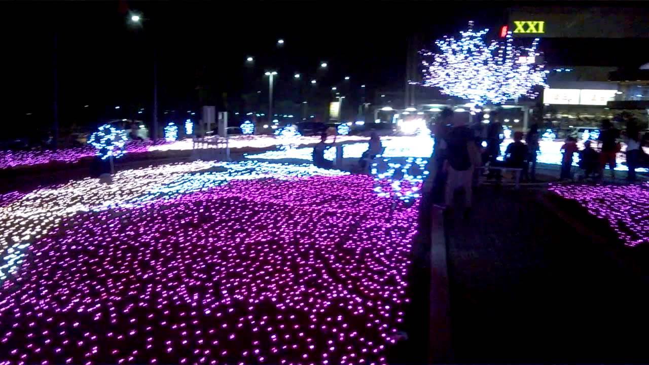 aeon mall bsd taman bunga lampu
