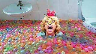 อาบ ลูกโป่งน้ำ 1000 ลูก 💖 ชิคกี้พาย DIY สระว่ายน้ำในบ้าน
