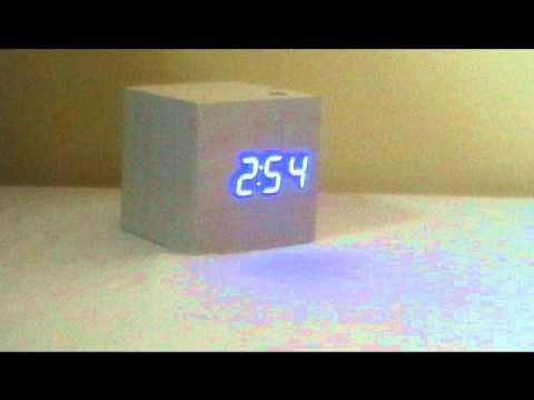 ajatuksia Viimeisin los angeles Nature Cube Alarm clock White wood