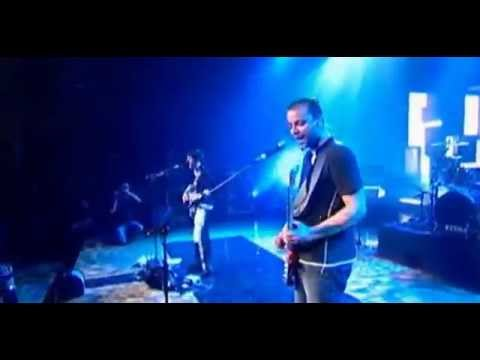 Muse - Time is Running Out live @ MTV SuperSonic 2003