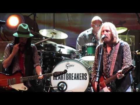 Tom Petty  Runnin Down A Dream   at PNC NJ 11SEPT2014