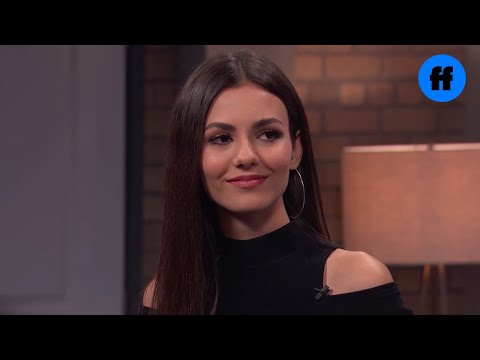 Victoria Justice Tongue Kissing in Eye Candy s1e07 from YouTube · Duration:  1 minutes 17 seconds