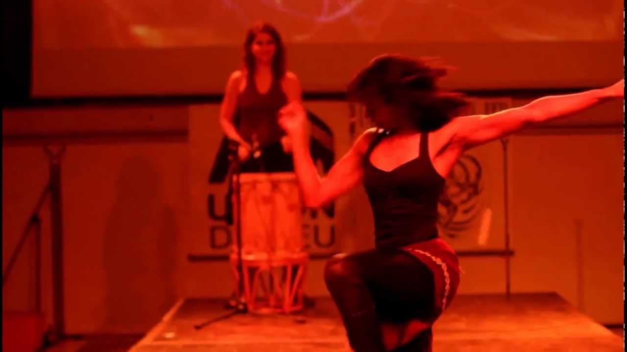 Boleadoras act at Maîtres du feu | Sarah Louis-Jean
