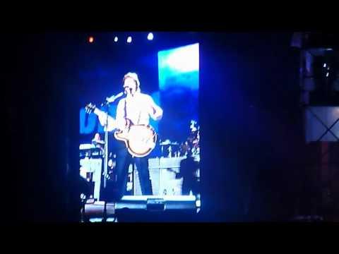 Paul McCartney Paperback Writer live inBogotá,