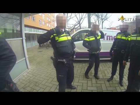 Politie Zeeburg | 60 seconds Daily Job |   Aanhouding in samenwerking met hondengeleider