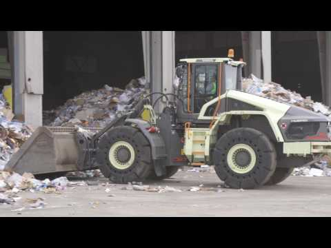 Electric Hybrid Wheel Loader at Waste Management