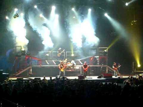 Daughtry-Call Your Name Live @ Patriot Center in Fairfax, Va (full song)