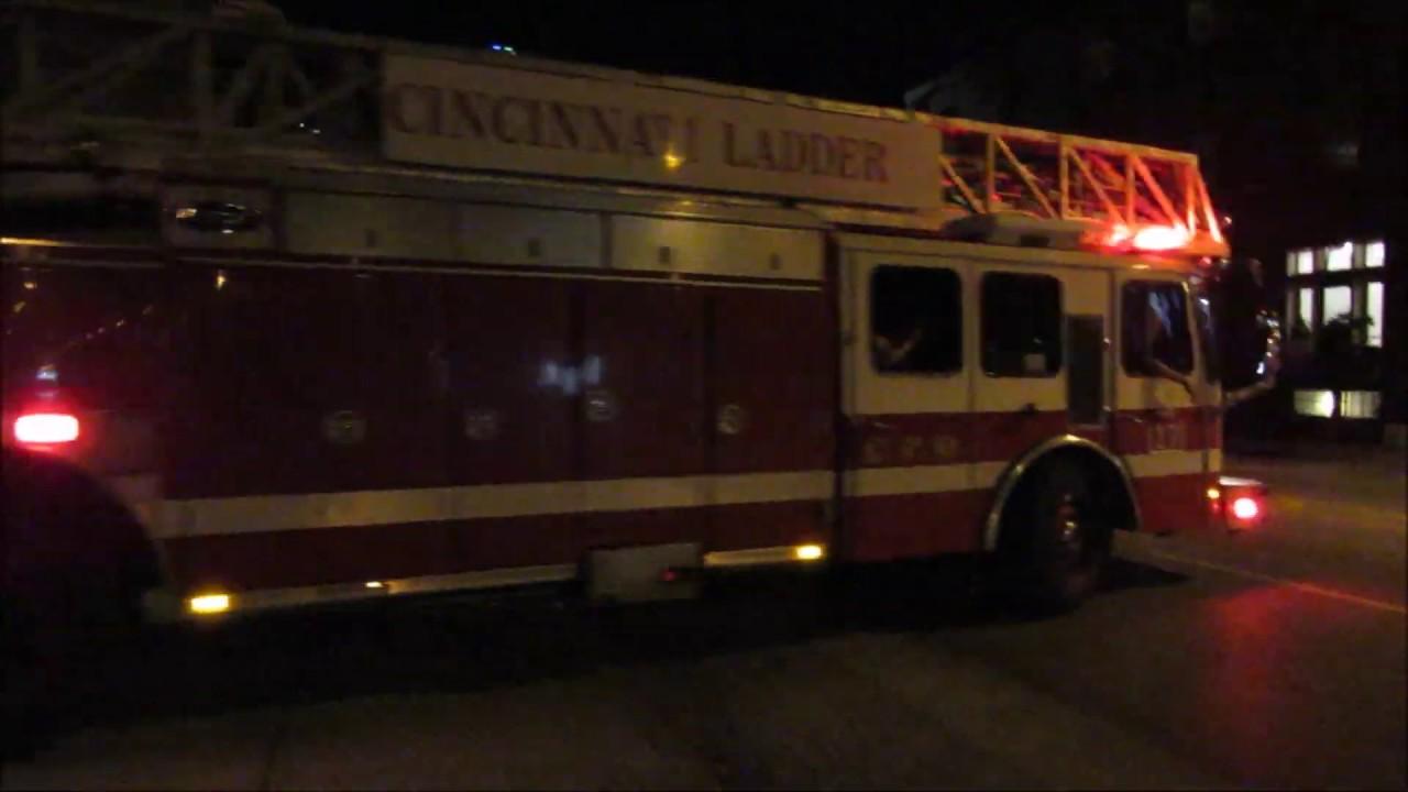BOSTON LADDER 17 RESPONDING TO FIRE ALARM ACTIVATION - YouTube