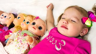 Десять малышей в кровати - Детская песня   Песни для детей от Тимы и Еси