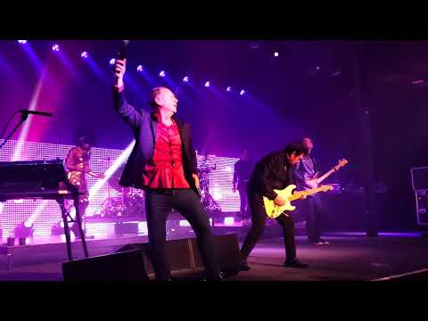 """Simple Minds """"Up On The Catwalk"""" Live in Portland, October 27th 2018"""