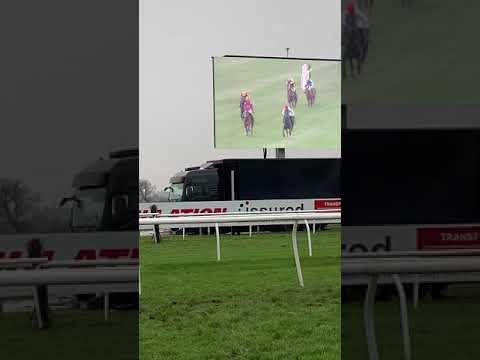 Onemorefortheroad Huntingdon Racecourse
