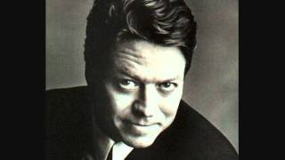 Watch Robert Palmer You Overwhelm Me video