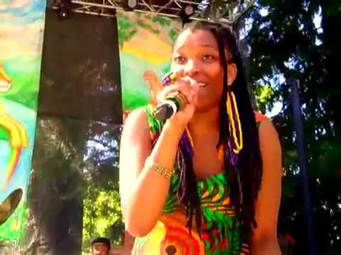 Nkulee Dube live at 2012 Reggae On The River (3)