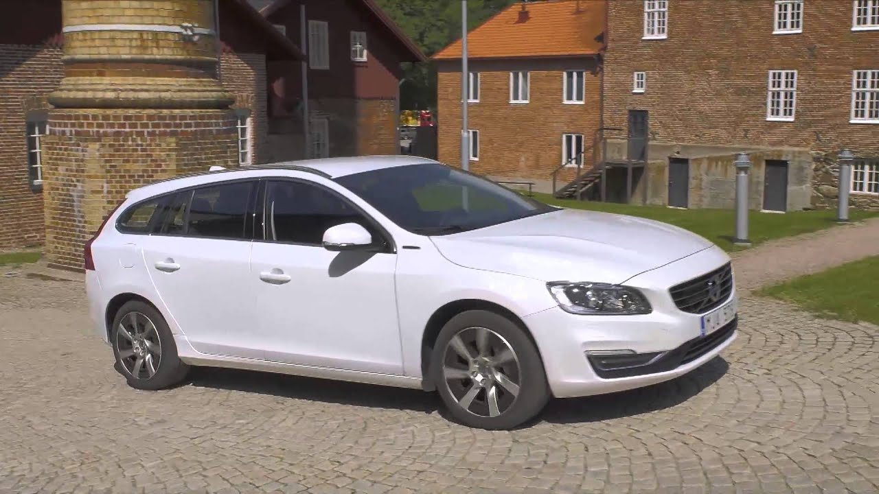 2014 Volvo V60 Plug In Hybrid Driving Review Automototv