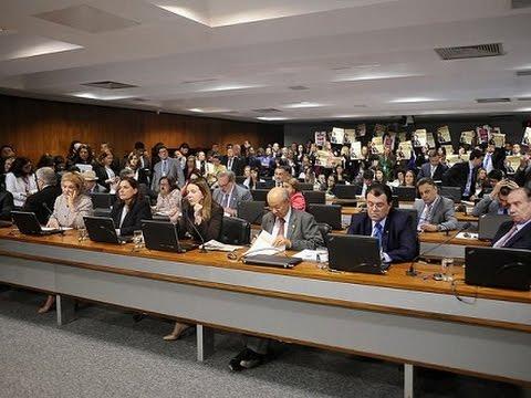 CCJ aprova proposta de medidas protetivas à mulher vítima de violência