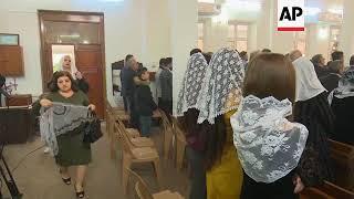 Armenians take Christmas mass in Iraq