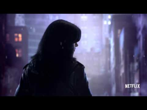 Marvel's Jessica Jones | an Evening Stroll official FIRST LOOK clip (2015) Netflix