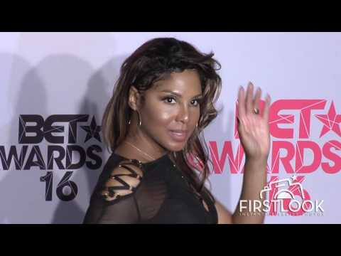 Toni Braxton at 2016 BET Awards Press Room