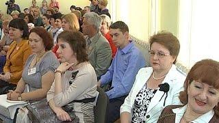 В Курске наградили лучших педагогов