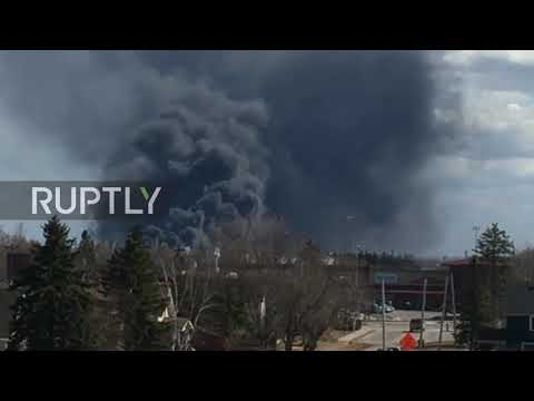 USASmoke all over the atmosphere as a result of WISCONSIN Oil Refinary fire Explosion