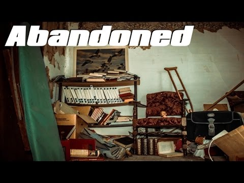 ABANDONED House EVERYTHING Left Behind ! Family Died in a Car Crash