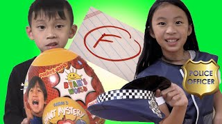 Pretend Play Police Gives Free Toys to Super Star Students