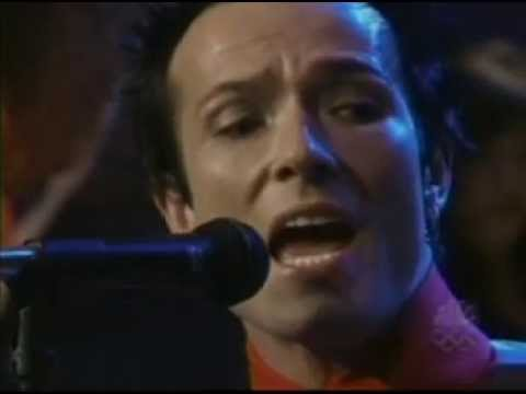 Stone Temple Pilots - Sour Girl (Live on Leno, 05/18/2000.)