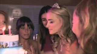 بالفيديو.. اشتعال «رموش» فتاة أثناء إطفائها شموع عيد ميلادها
