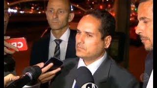 "Defesa afirma que agressor de Bolsonaro ""teve surto momentâneo"""
