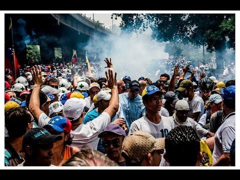 Represión Marcha pacífica 19 de abril Caracas-Venezuela