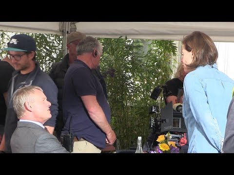 Martin Clunes Sigourney Weaver Cast & Crew Filming Series 8 Of  Doc Martin On Location At Port Isaac
