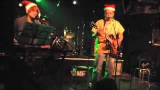 2011年12月10日に行われた「兎に角 夜露四工!!その2」でのふとりカンタ...
